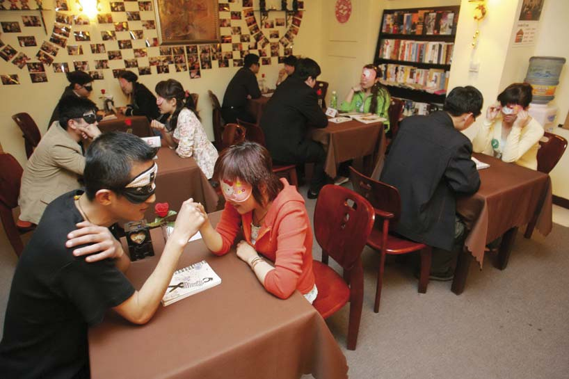 Chinese couples during a blind date. Photo: CFP