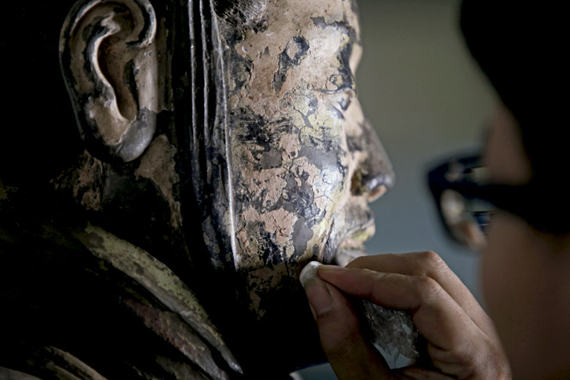 the decadence of han china and Similarities between rome and han chinese culture still flourishes today it is much easier to talk about a common culture among the elite in han china than in.